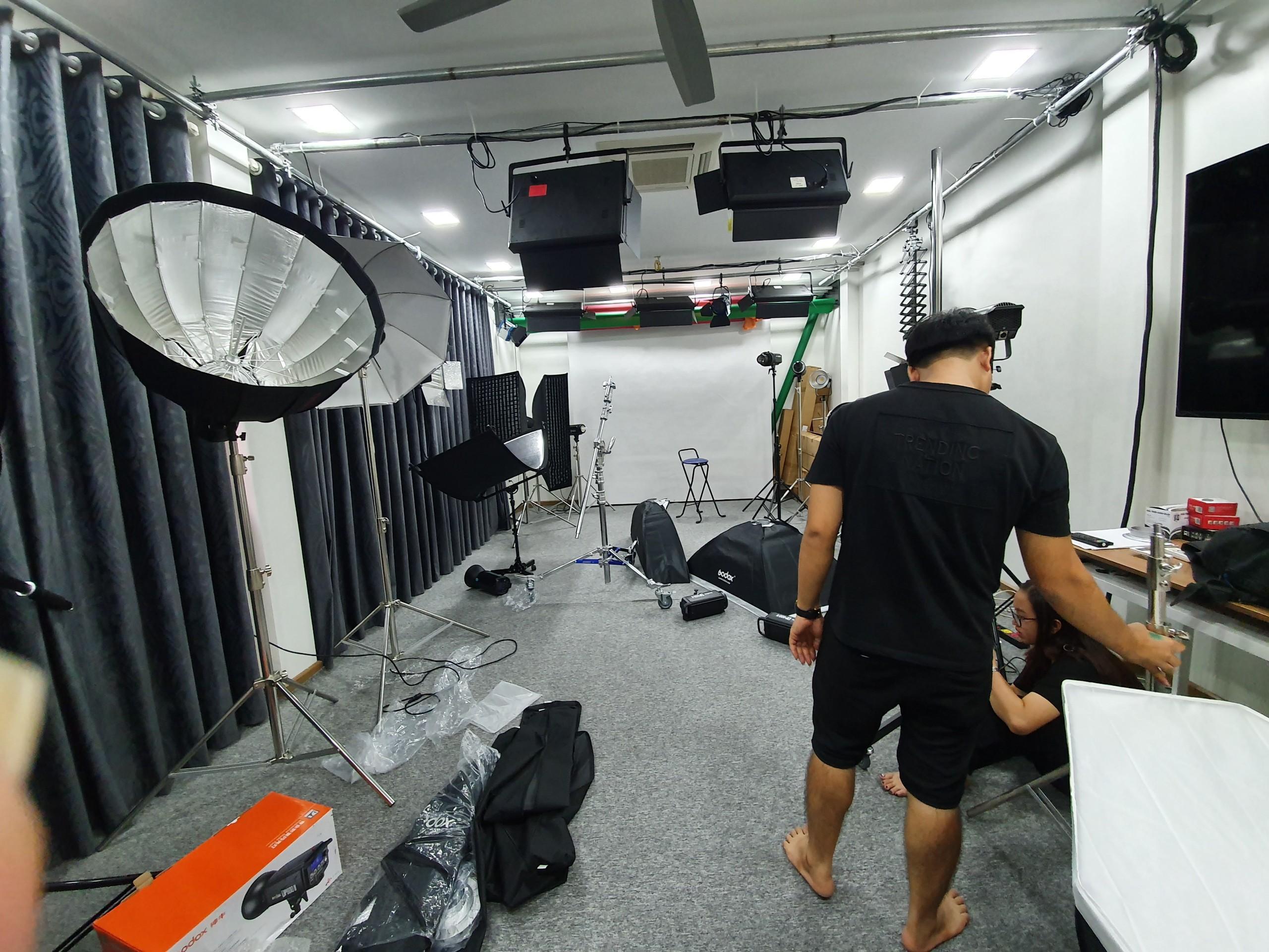 Dịch vụ setup ánh sáng phòng livestream chuyên nghiệp